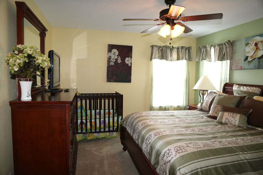 upstairs master king suite with full size crib
