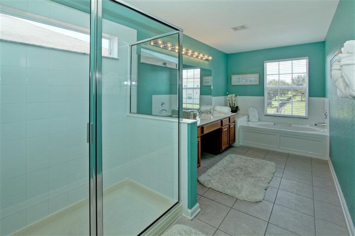 Spacious Master Suite 1 Bathroom