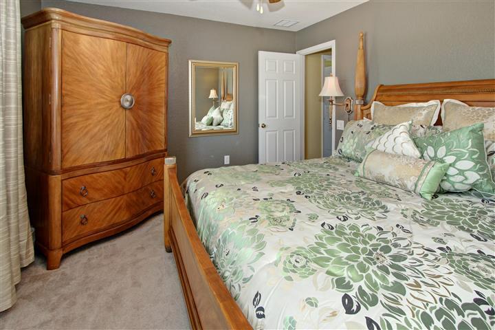 King Bedroom 3 (2nd floor)
