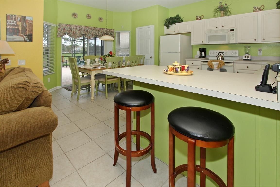 kitchen to breakfast nook