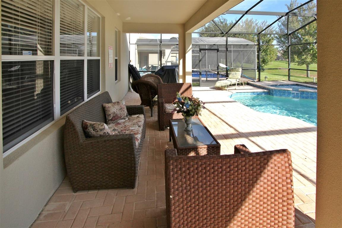 extended deck with lanai