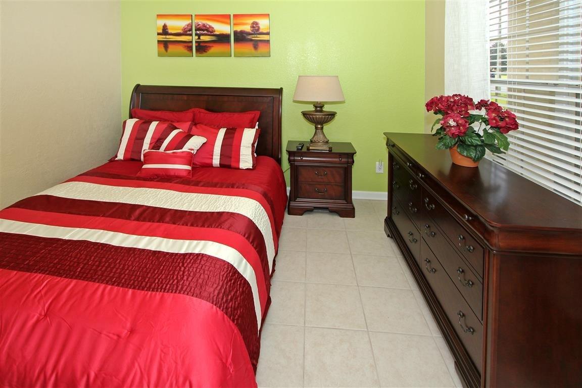 bedroom 7 --qeen