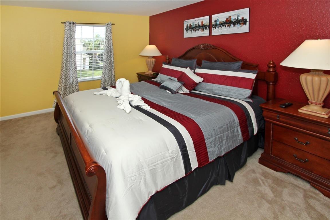bedroom 2 --maskter king