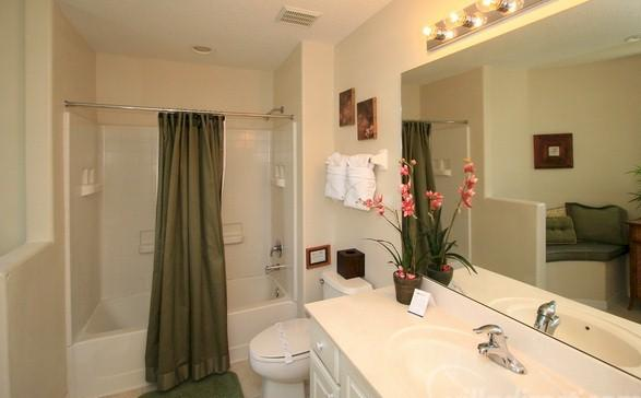Bathroom shared by queens