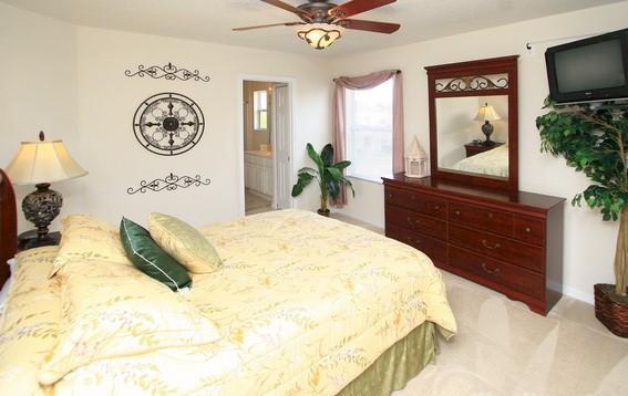 Queen Bedroom No. 2